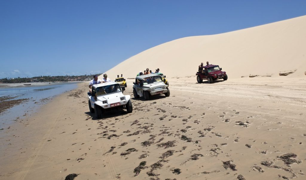 Passeio por dunas e lagoas é imperdível. (FOTO: Hotel Vento Brasil)