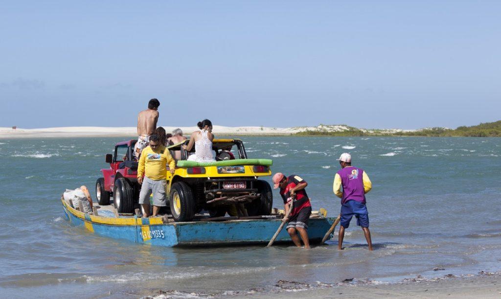 Com a maré baixa, formam-se piscinas naturais na beira da praia. (FOTO: Hotel Vento Brasil)