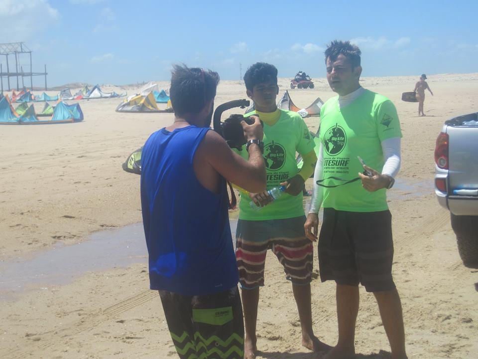 Marques Filho sendo entrevistado por uma TV italiana durante o Iron Macho 2015. (FOTO: arquivo pessoal)