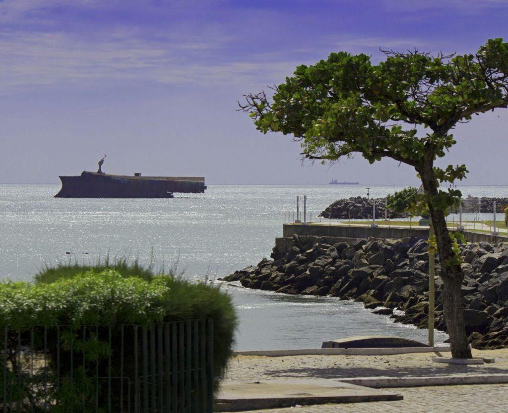 Vista do Hotel Marina Park, do navio Mara Hope. (FOTO: Raíssa Caldas)