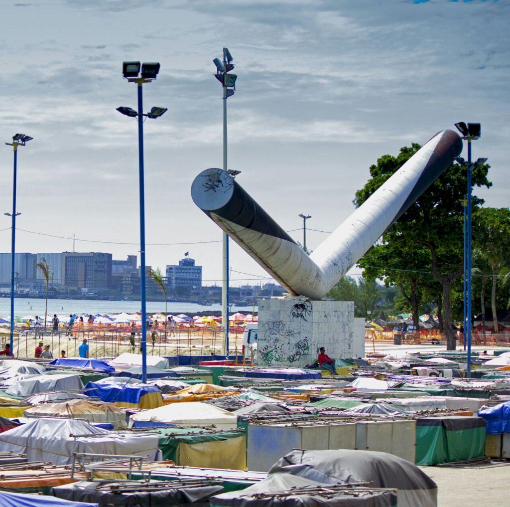 Vista da feirinha da Beira Mar. (FOTO: Raíssa Caldas)