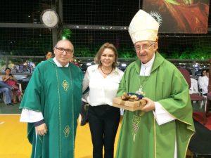 Padre Eugênio Pacelli, com a diretora do Colégio Sto Inácio Albanisa Gomes e arcebispo de Fortaleza Dom José Aparecido Tosi