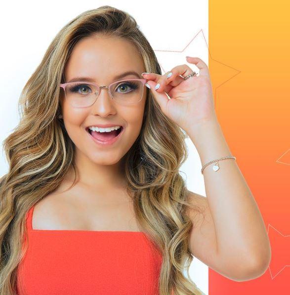 89407377f5c10 Já imaginou conhecer a diva teen Larissa Manoela e fazer fotos com ela  A  marca de óculos