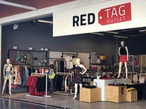 fdd290ded A Red Tag, multimarca que está entre as maiores da rede de off-price do  Brasil, inaugurou neste mês de julho uma unidade no OFF Outlet Fashion  Fortaleza, ...