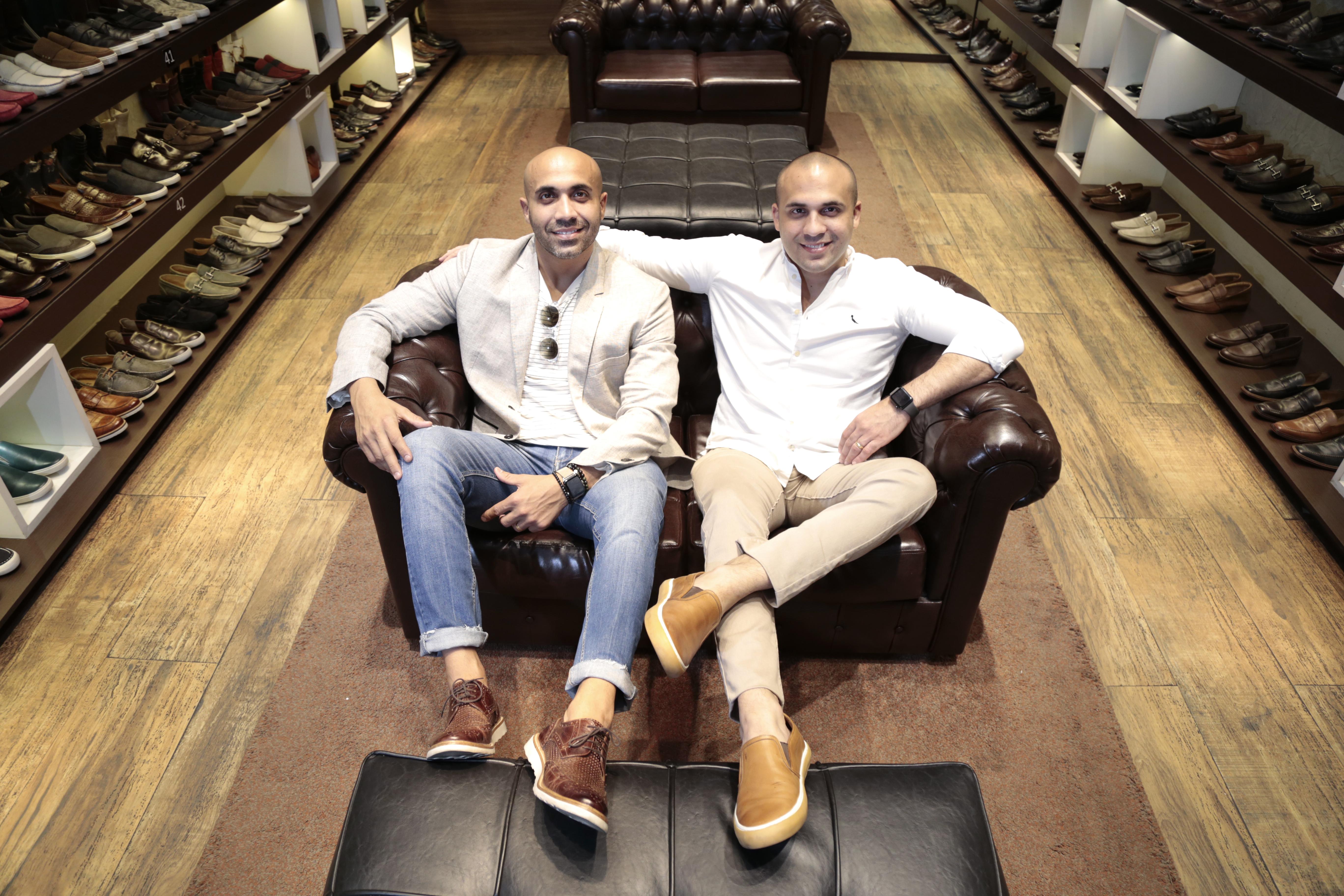 d972acf81 FORTALEZA,CE,BRASIL,03.10.2018: Hugo Quinderé e Guilherme Quinderé,  proprietários da loja de sapatos JEF, no Shopping Iguatemi, para o caderno  Pause.