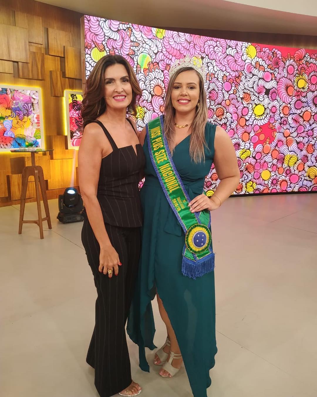 38b218e4f A embaixadora do movimento Plus Size no Ceará, Jaqueline Queiroz, e a  cearense Talita Reis, vendedora do concurso Miss Plus Size Nacional 2018,  estiveram no ...