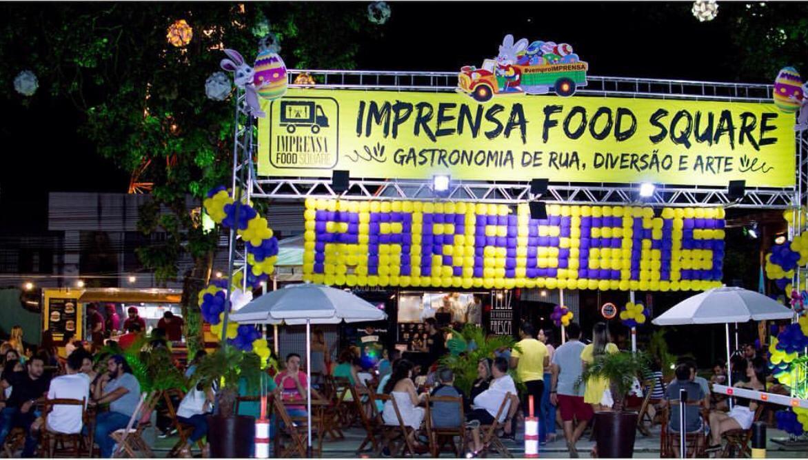 7d3a3a758 Imprensa Food Square celebra aniversário e oferece 50% de desconto