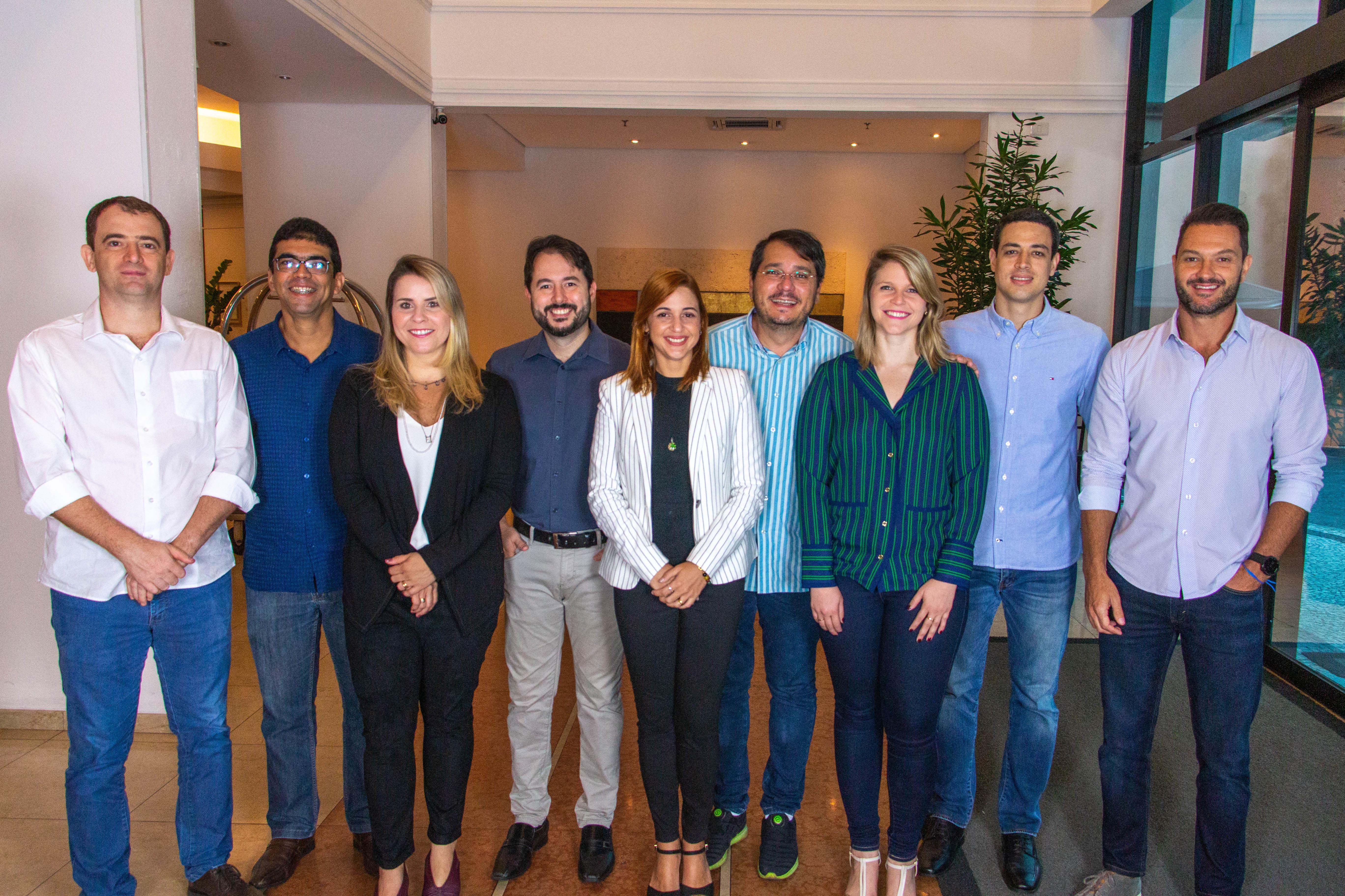 93e7854a0 Pela primeira vez, as duas marcas são listadas ao mesmo tempo na pesquisa  divulgada pela Revista IstoÉ Dinheiro em parceria com o Instituto Kantar  Vermeer