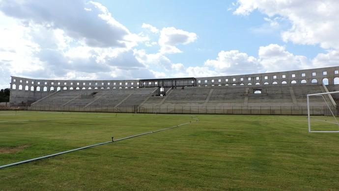 Arena foi entregue sem a instalação elétrica, Foto: Tom Alexandrino
