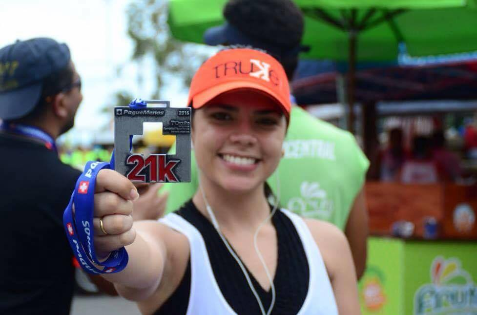 A tão sonhada e suada medalha de 21 km (FOTO: Dudu Ruiz/Truke Mídia)