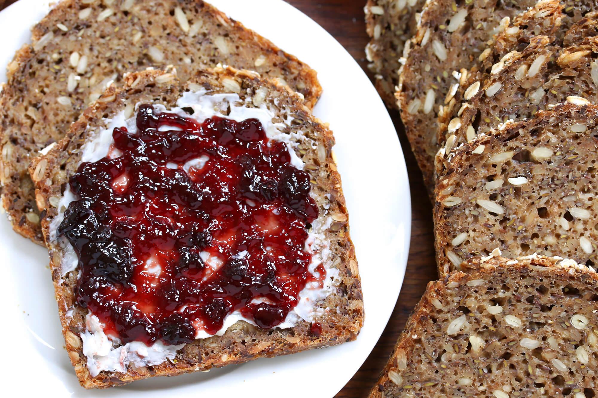 Pão de centeio: feito com cereais, é um pão bem denso