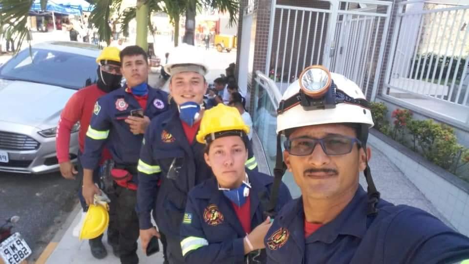 CDL Paracuru realizahomenagem para bombeiros civis e militares.
