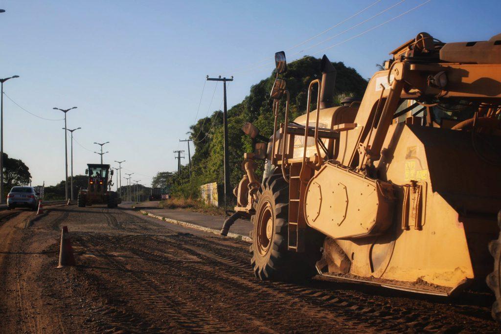 O Governador Camilo Santana (PT) iniciou as obras de recuperação da CE 085.