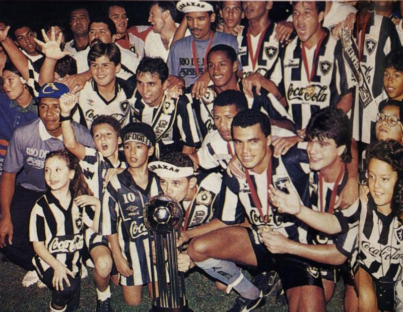 """Com o """"Capita"""" no comando, o Botafogo conquistou a Copa Conmebol de 1993 Foto: Conmebol"""