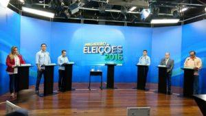 Candidatos à prefeitura de Fortaleza debatem, trocam farpas, mas evitam o vale-tudo. Foto: Emílio Moreno/Tribuna do Ceará