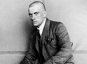 """Vladimir Maiakóvski: o poeta que acreditou nas promessas do """"Partido"""" e depois se decepcionou"""