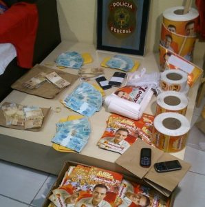 Flagra de possível compra de votos para candidato do PT em Barbalha: de onde veio esse dinheiro? (Foto: Polícia Federal)