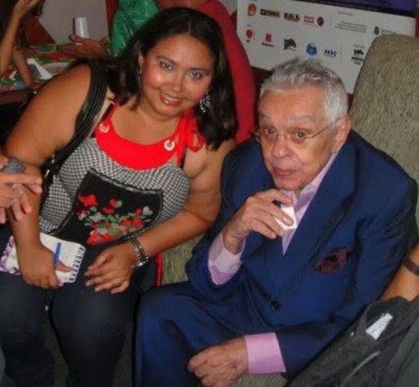 Dadynha Saturnino e Chico Anysio, em sua última vinda à Maranguape, dois anos antes de sua morte. Arquivo pessoal.