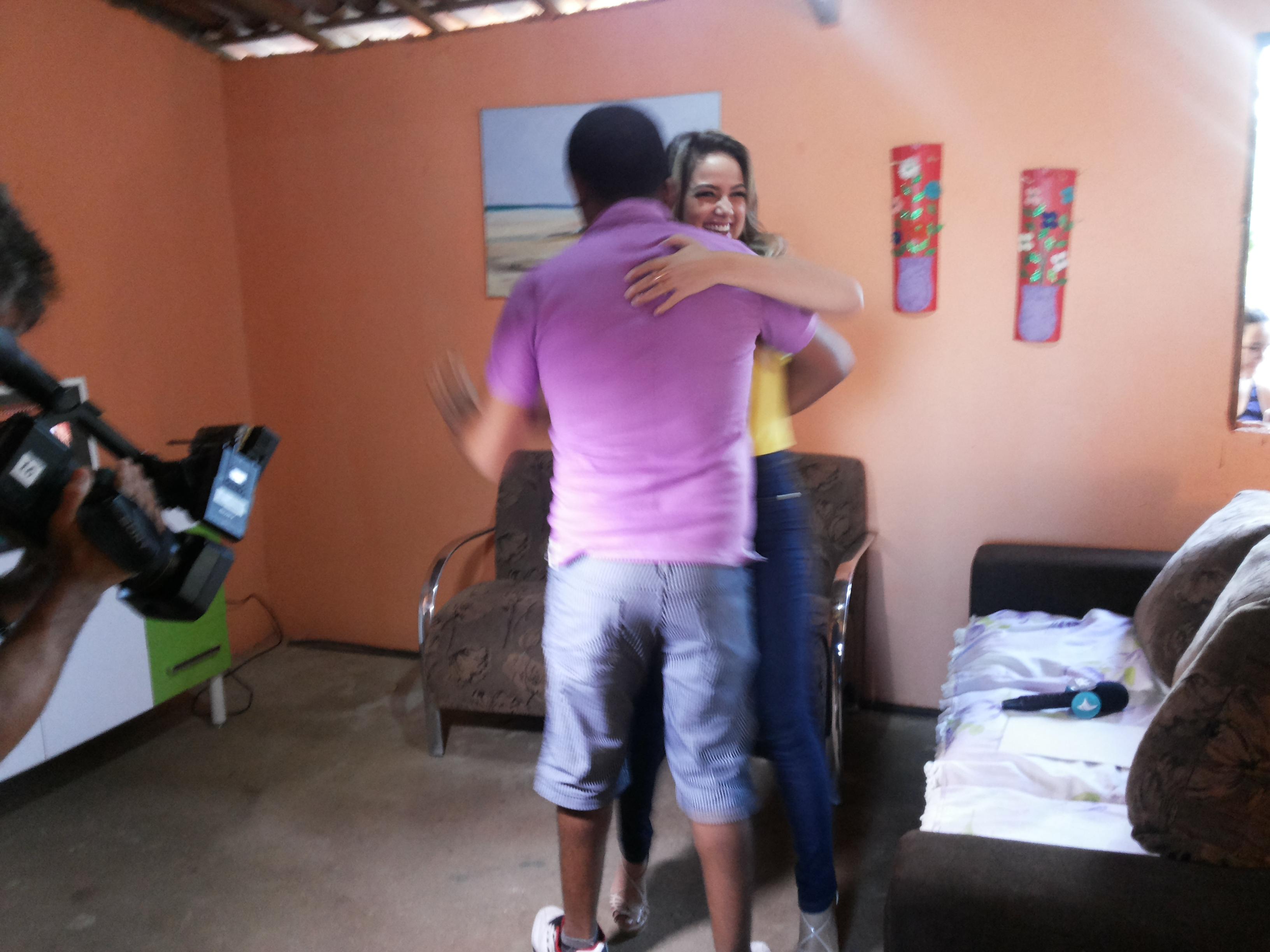 15-11-24 Lorrane Cabral conta a história de Erivando Braga no Gente na TV. Foto Dadynha Saturnino (15)