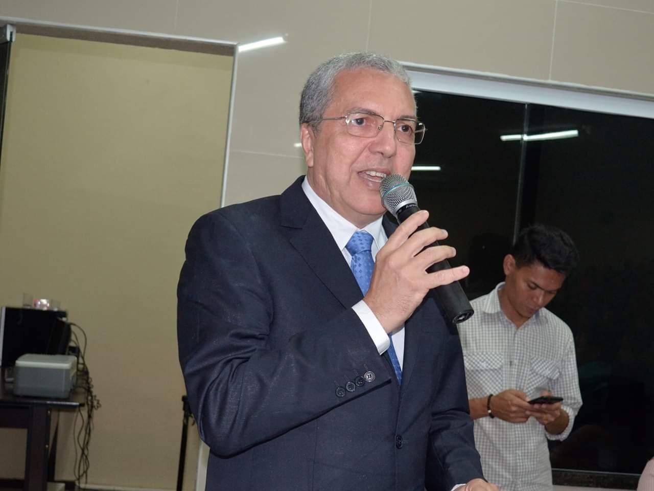 Vereador Dr. Hermano Gurgel realiza discurso de posse como novo Presidente da Câmara de Maranguape. Divulgação