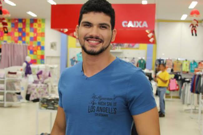 Johnny Moura, de 22 anos, foi assassinado com um tiro na testa, após festa em Fortaleza (FOTO: Reprodução/Facebook)