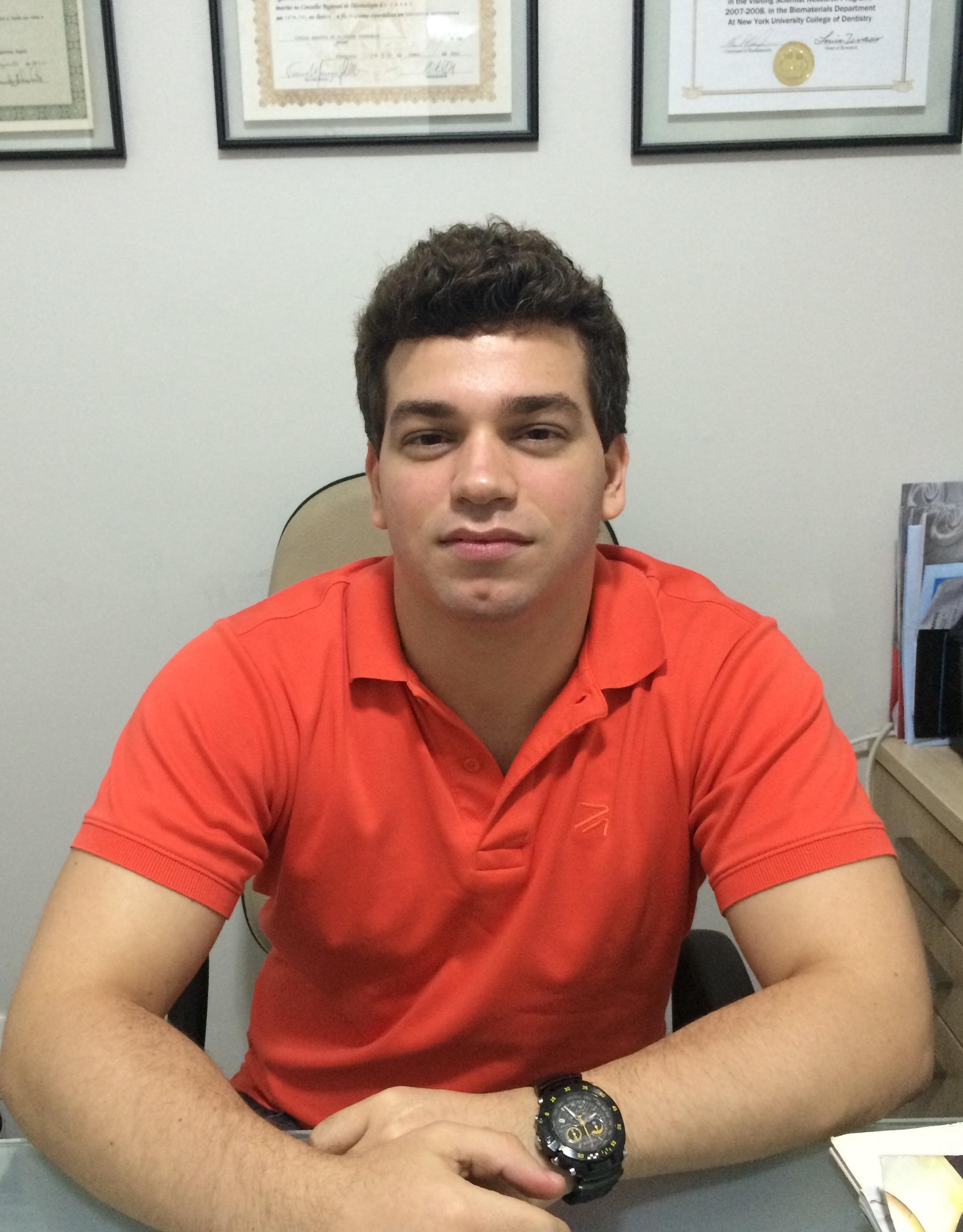 Cearense Robson Augusto é um dos 30 estudantes brasileiros que devem cursar medicina na Rússia (FOTO: Arquivo Pessoal)