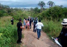 Corpo estava abandonado em uma estrada de terra, em Urucutuba (FOTO: Polícia Civil/Divulgação)