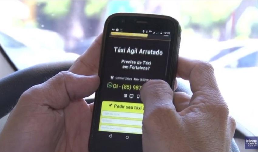Taxistas usam a criatividade para atrair clientes (FOTO: Reprodução TV Jangadeiro)