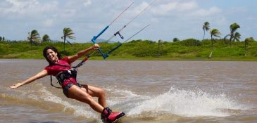 A kitesurfista na Lagoa do Cauípe (FOTO: Didier Kelly)