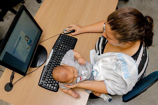 Mães podem fazer faculdade a distância (FOTO: Beto Almeida/ Divulgação)