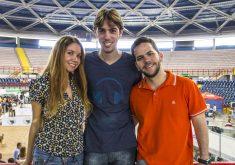 Os amantes de animais, Cristina Maciel, Pedro Lemmers Nora e Ricardo Garcia formam a equipe do site Focinhos Urbanos (FOTO: Reprodução/Focinhos Urbanos)
