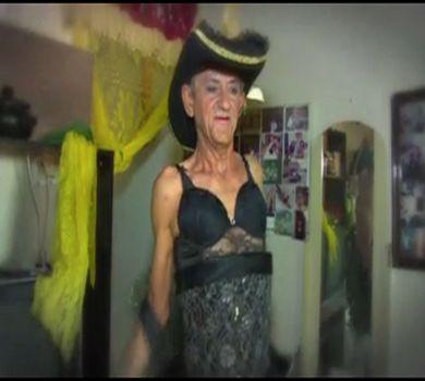 /home/tribu/public html/wp content/uploads/sites/7/2015/09/homem travestido de mulher