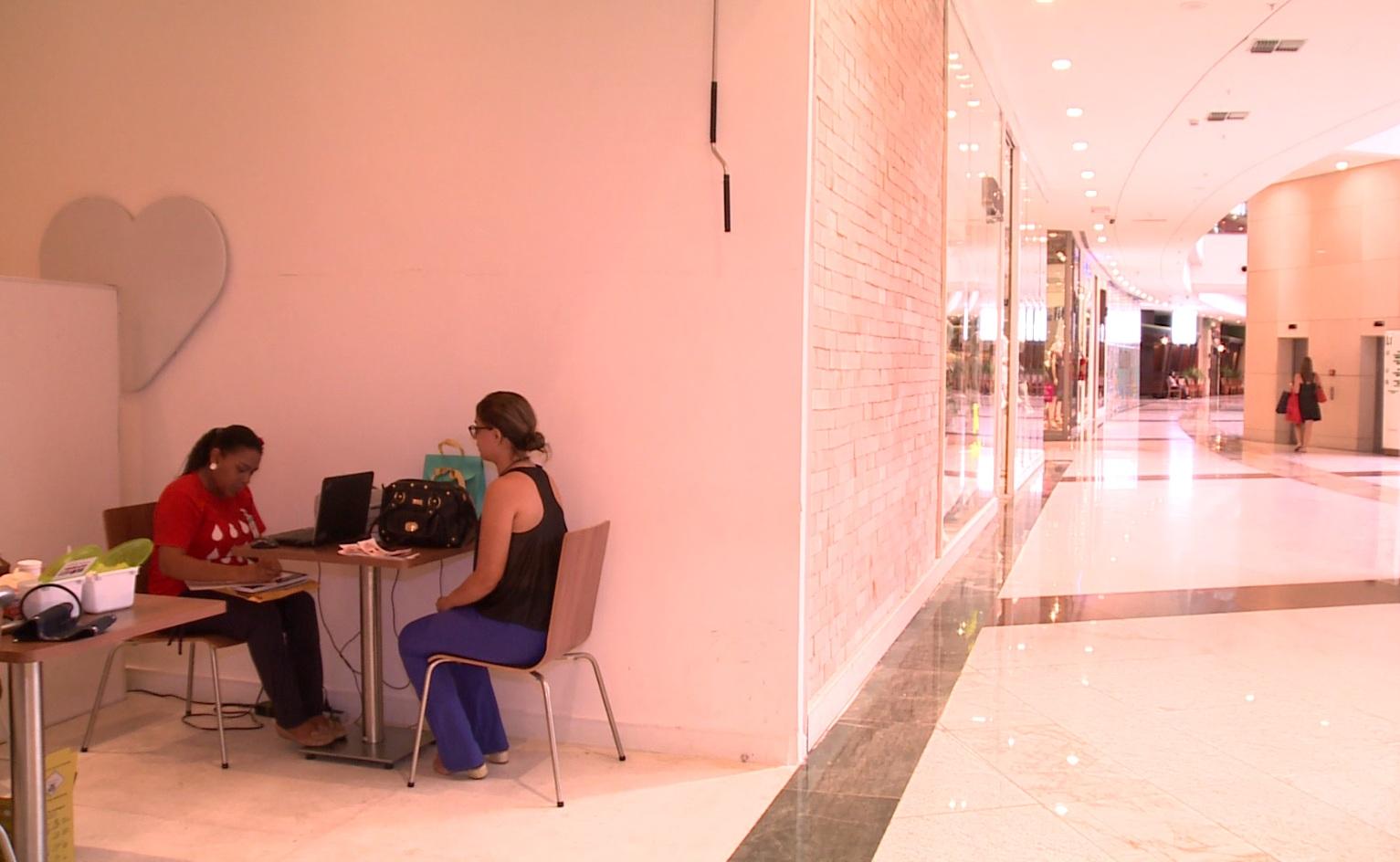 A loja fica no térreo da expansão do shopping Iguatemi. (FOTO: Reprodução/TV Jangadeiro)
