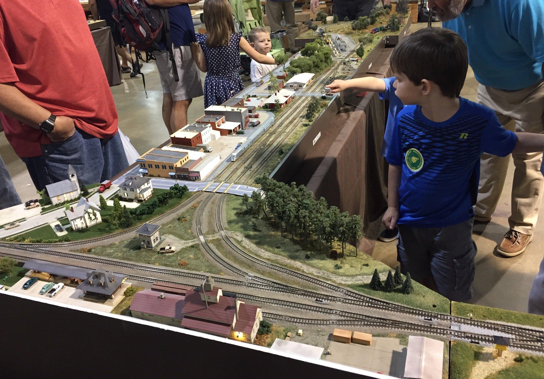 NC state fairground model railway show - Club and Show News
