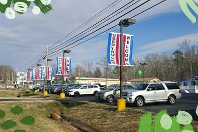 Leonardtown Ford offers a convenient sales location.