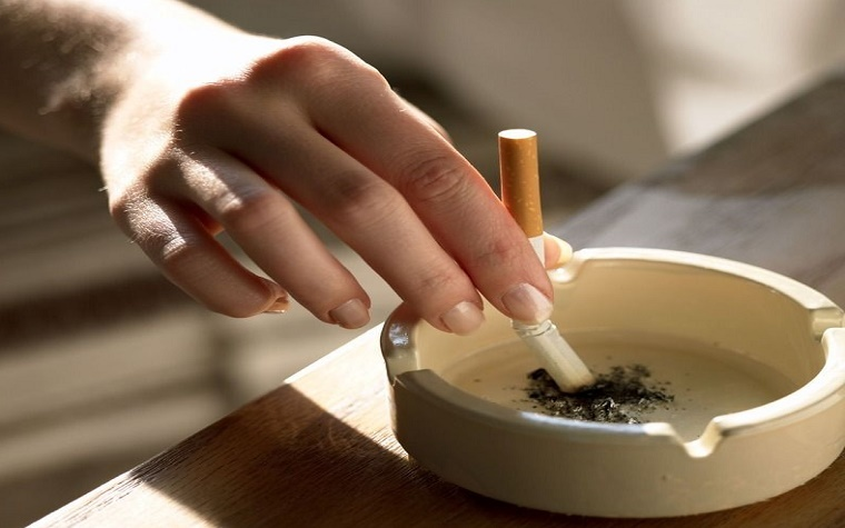 Report: U.S. smoking rates on the decline.