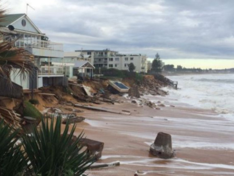 Collaroy, storm surge, washes away houses in NSW.