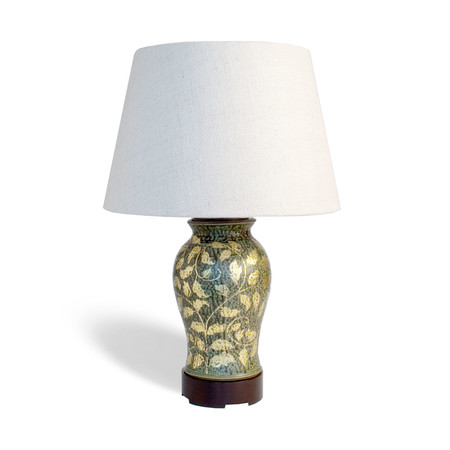 Carolina pea table lamp with ebony base and cap with shade