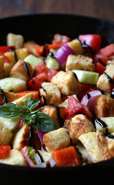 One Skillet Panzanella Salad with Crispy Brioche Croutons