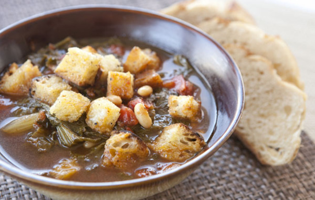 Muir Glen Fire Roasted Tomato, White Bean and Escarole Soup Recipe