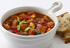 Light and healthy Chicken and Cannellini Bean Chili.