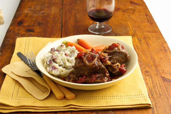 Beef_short_ribs_tomato-wine