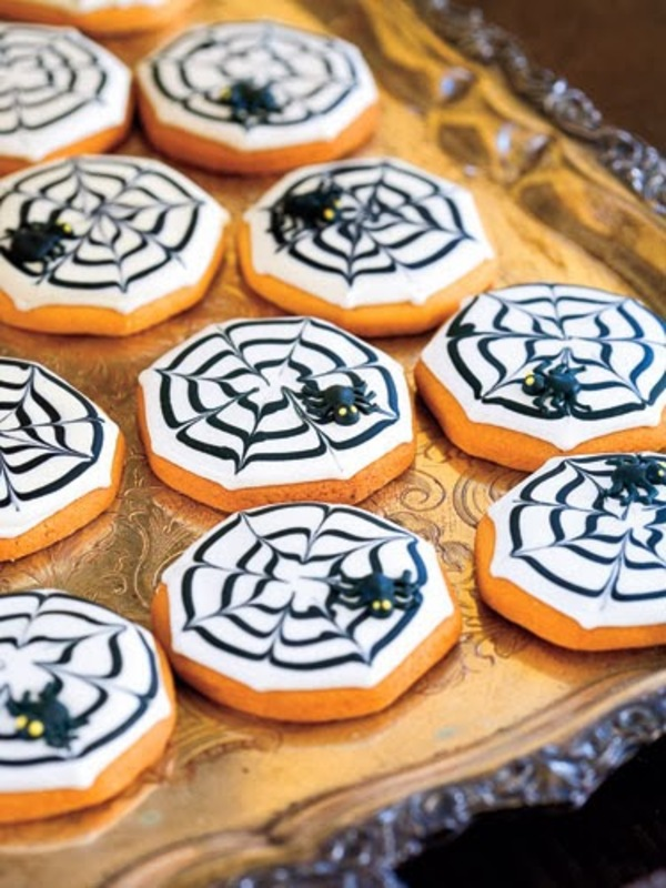 Spiderweb spider cookies halloween 1007 lgn