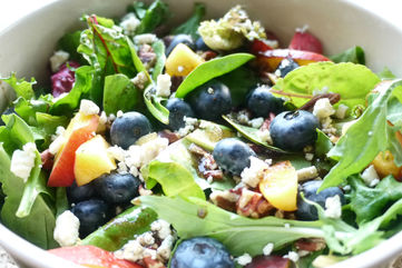 Pecan summer salad with fruit