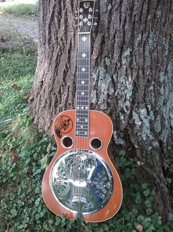 my 2001 Jerry Douglas model Dobro with Fleur de Lys Inlay Sticker
