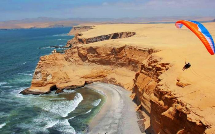 Paracas: Fiesta fogata, Kayak, Snorkeling y Parapente / Viaje y aventura / Joinnus