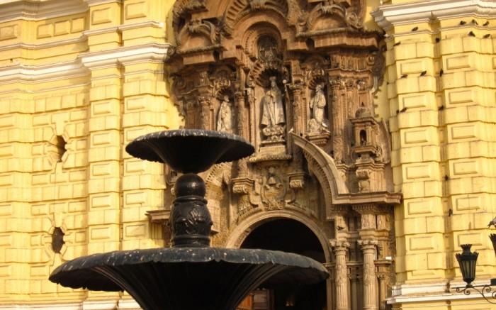 City Tour Centro Historico y Catacumbas en Lima Perú /  / Joinnus
