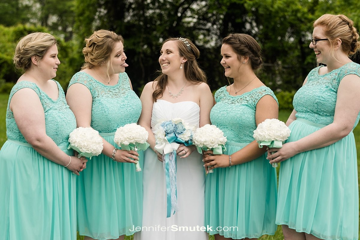 bridesmaid photos at the bayfront club in edgemere