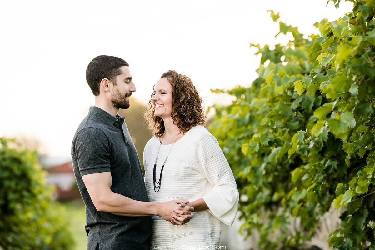 Linganore Winecellars Engagement Session