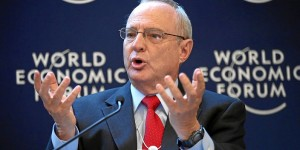 Rabbi David Saperstein speaks in 2013 at the World Economic Forum. (photo: Wikimedia Commons)